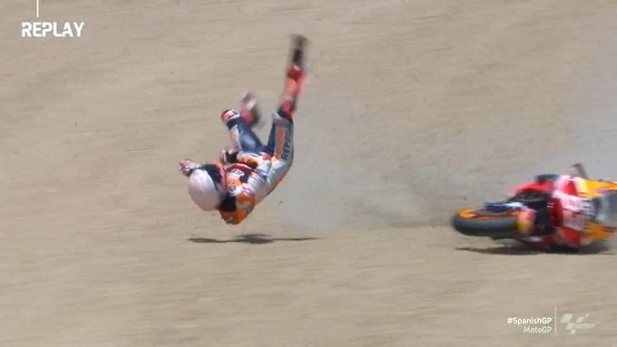 MotoGP | Frattura al braccio per Marc Marquez, si teme per il nervo [VIDEO]