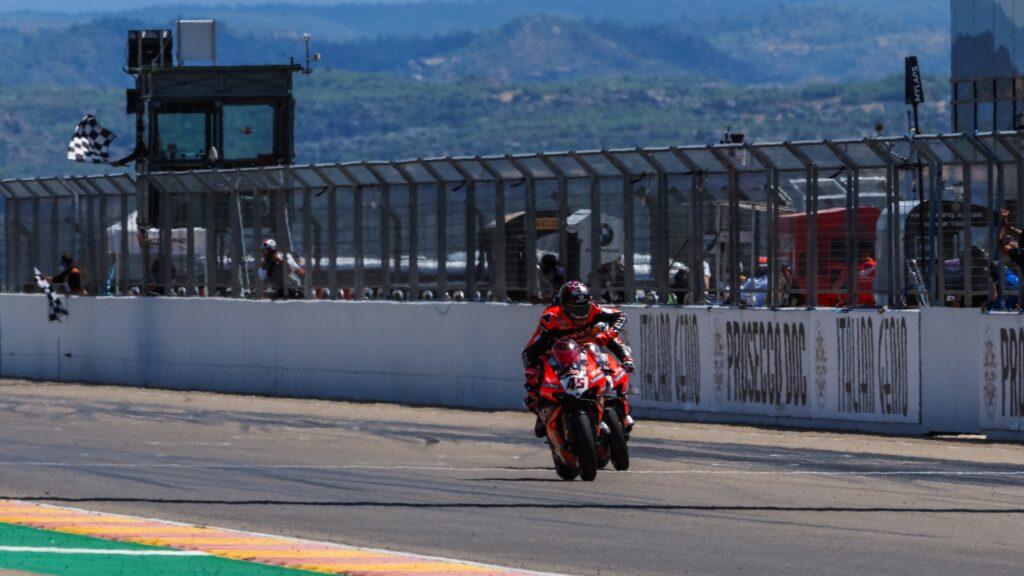 Superbike | Round Aragon, Gara1: vince Scott Redding