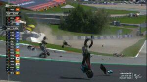 MotoGP | Gp Austria: spaventoso incidente tra Zarco e Morbidelli, Rossi 'graziato', gara vinta da Dovizioso che riapre il mondiale