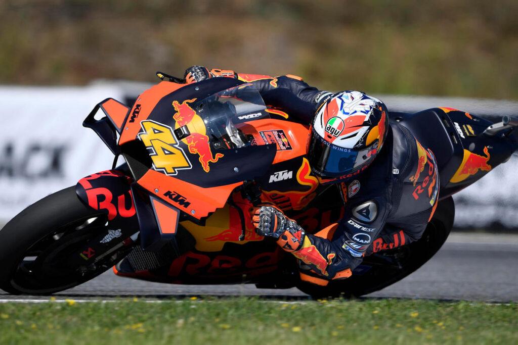 MotoGP | Gp Austria FP1: Pol Espargarò in vetta con la KTM, Dovizioso secondo, Rossi fuori dai dieci