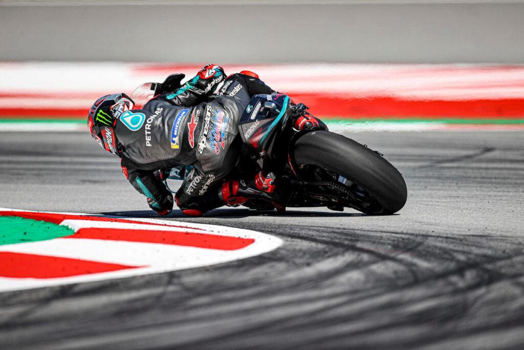 MotoGP | Gp Barcellona Warm Up: Quartararo, miglior tempo e caduta, Rossi è terzo