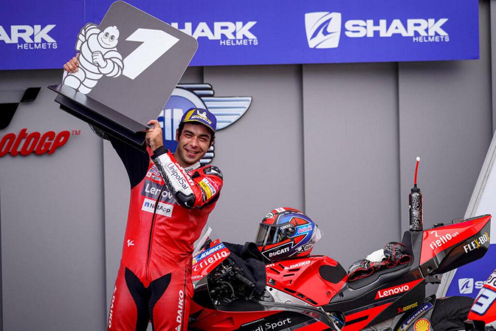 MotoGP   Gp Le Mans: Petrucci torna alla vittoria, Rossi cade ancora, primo podio per Alex Marquez, rivivi le emozioni della gara attraverso la nostra Gallery