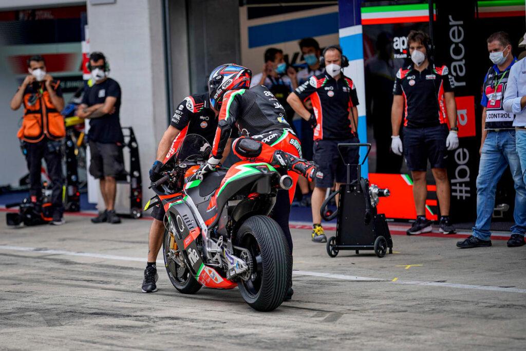 MotoGP | Gp Le Mans FP1: Smith svetta sul bagnato, bene le Ducati, Rossi è ottavo
