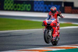 MotoGP | Gp Valencia 2 FP2: Miller è il più veloce, Rossi diciottesimo