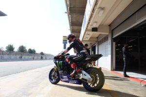MotoGP | Alcuni piloti della Top Class in pista con moto stradali a Barcellona