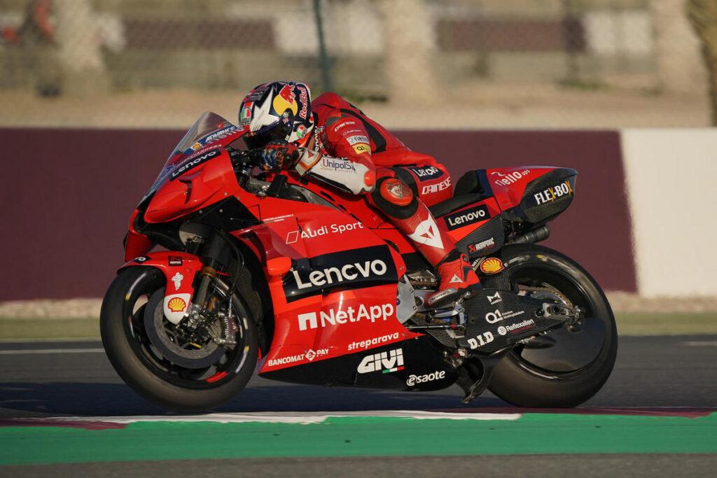 MotoGP | Test Qatar 2 Day 1: Miller da record, Rossi tredicesimo