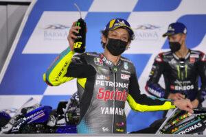 """MotoGP   Valentino Rossi replica a Lucchinelli, """"Faceva l'amico e invece è un lecca…"""""""