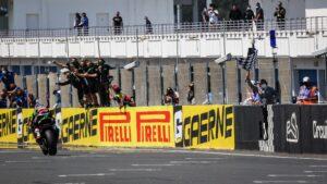 Superbike | Round Estoril, Tissot Superpole Race: Rea azzarda le gomme e vince