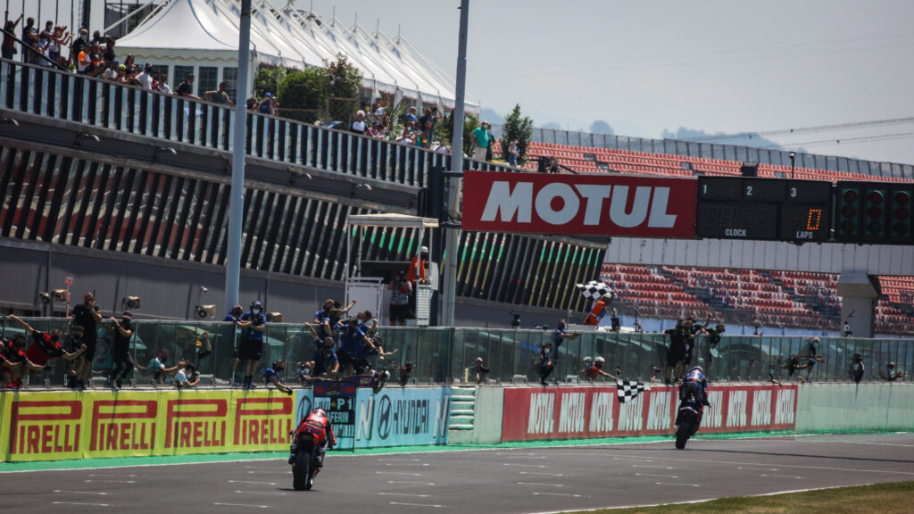 Superbike | Round Misano, Gara2: Razgatlioglu nega a Rinaldi la tripletta