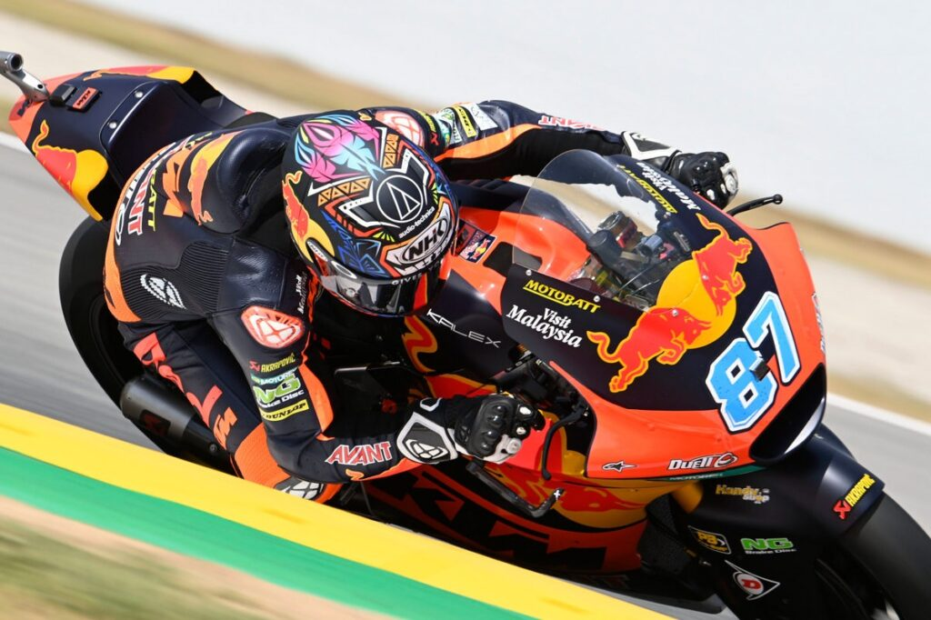 Moto2   Gp Barcellona Gara: doppietta KTM con Gardner e Fernandez