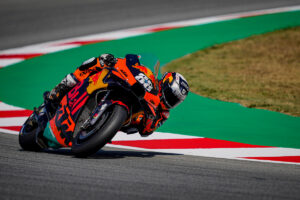 MotoGP   Gp Barcellona Gara: successo di Oliveira (KTM), Ducati a podio