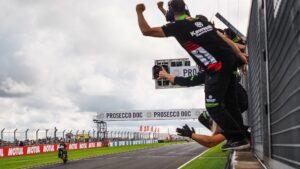 Superbike | Round Donington, Tissot Superpole Race: vince Rea davanti alle BMW