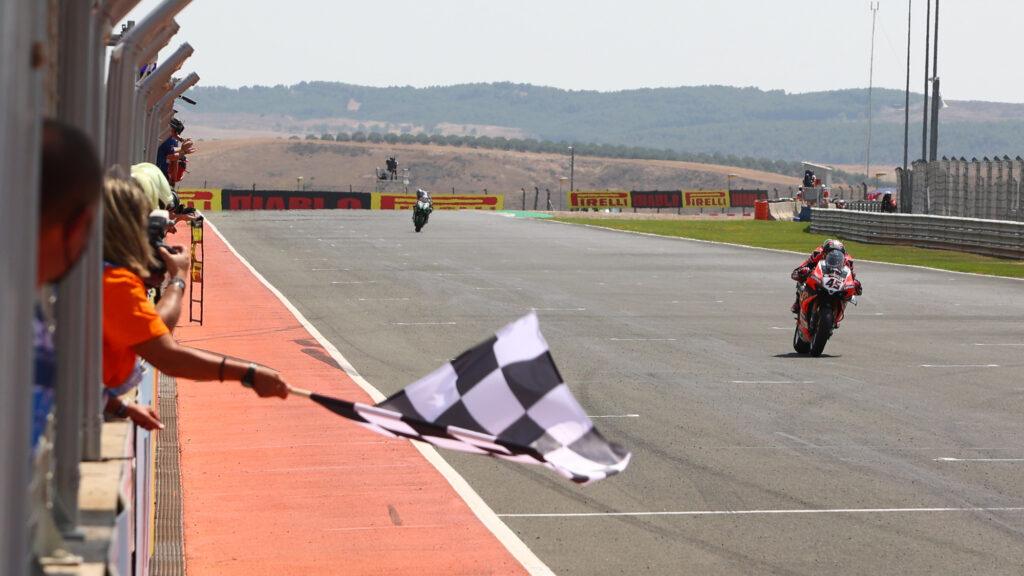 Superbike | Round Navarra, Gara1: Redding vince su Rea