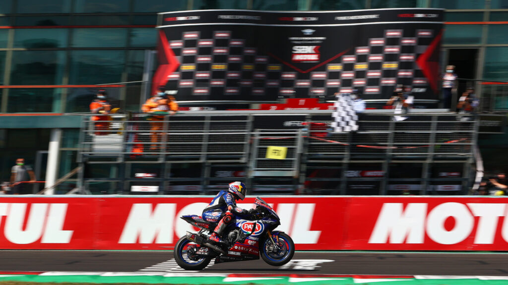 Superbike | Round Magny-Cours, Gara2: Razgatlioglu si riprende la vittoria