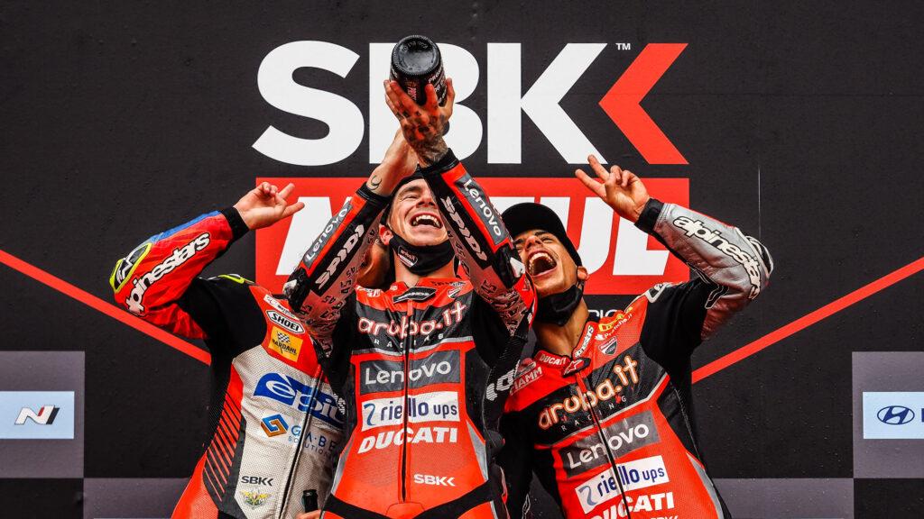 Superbike | Round Barcellona, Gara1: tripletta storica per Ducati